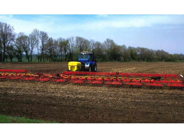 Комплекс для внесення в ґрунт рідких мінеральних добрив і засобів захисту рослин «РЕАЛ» ОЗП-24