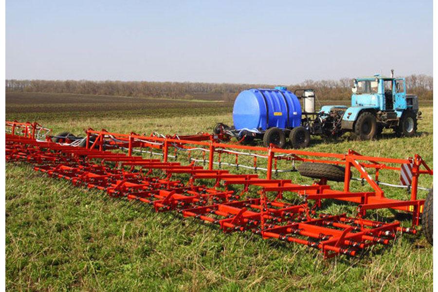 Комплекс для внесения в почву удобрений